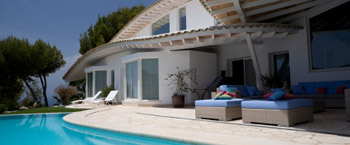 Holiday Homes & Villas